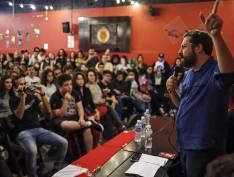 Estudantes driblam censura de reitor da Mackenzie e lotam debate sobre Previdência com Boulos