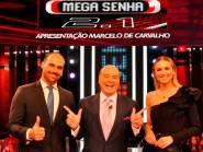 """Eduardo Bolsonaro diz """"Lula"""" para dar dica sobre a palavra """"livre"""" em programa na Rede TV"""