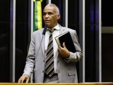 """Conhecido como """"doido"""", deputado diz ter perfil para falar com Bolsonaro: """"Pra conversar com um doido, só outro doido"""""""