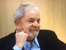 """Em carta, Lula diz: """"Graças aos livros, sairei da prisão sabendo mais do que entrei"""""""