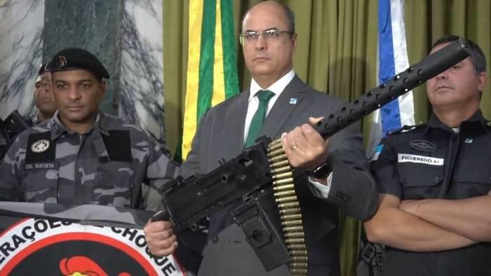 Resultado de imagem para GOVERNADOR DO RIO WITZEL  ARMADO