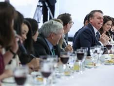 """Bolsonaro diz que se Lula recebesse facada, """"sairia cachaça com certeza"""""""