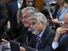 Na CCJ, Moro se recusa a responder Humberto Costa (PT-PE) e ataca Rogério Carvalho (PT-SE)