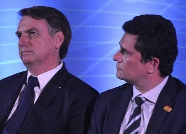 Bolsonaro já busca descolar de Moro: Confiança 100% só em pai e mãe