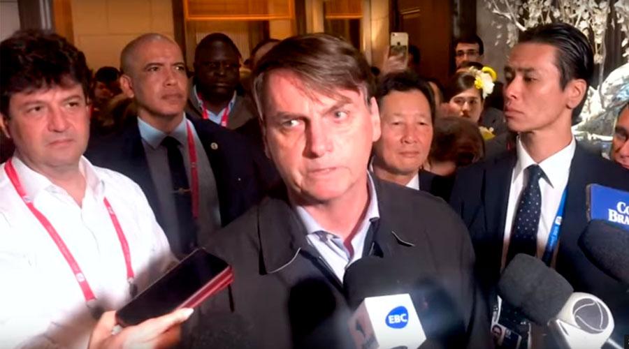 Veja vídeo: Irritado, Bolsonaro é grosseiro com jornalistas no Japão