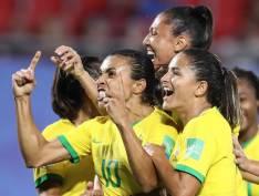 Marta se torna a maior artilheira de todas as Copas