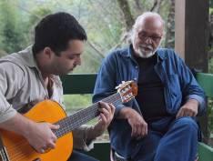 Paulo César Feital e Lucas Bueno: pisam no chão Brasil de pés descalços, por Luiz Carlos Prestes Filho