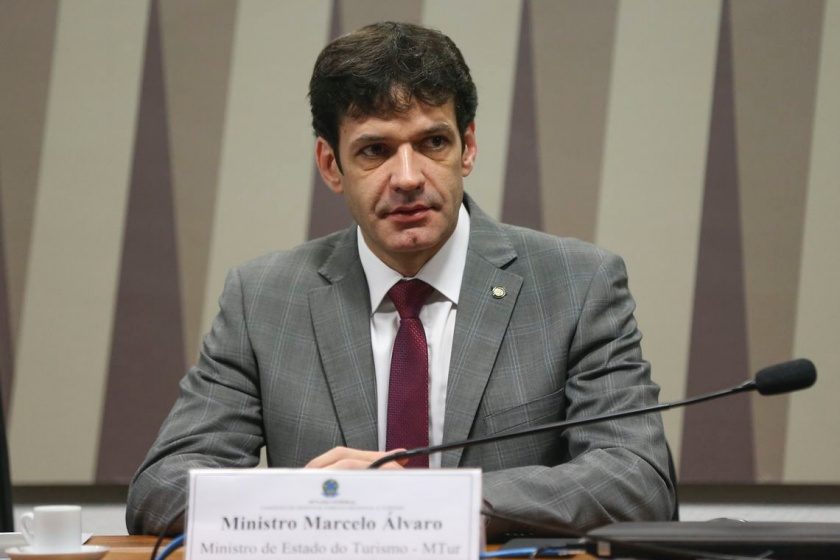 Assessor do ministro do Turismo é preso em operação que investiga laranjal do PSL