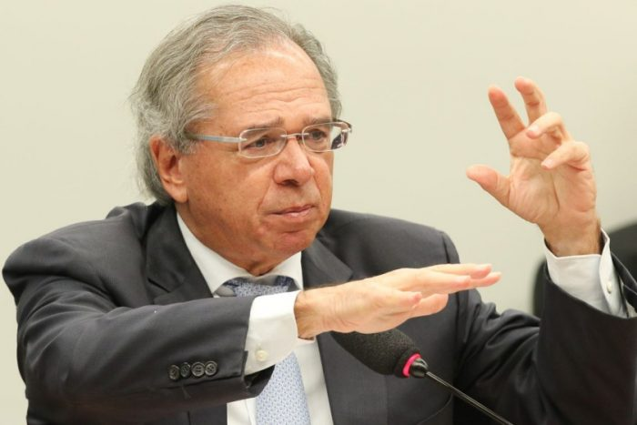 Bolsonaro e Guedes distorceram dados para justificar reforma da Previdência