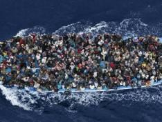 Itália impõe decreto que prevê multa de até 50 mil euros a quem resgata migrantes no Mediterrâneo