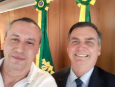Diretor teatral que diz ter falido após apoio a Bolsonaro vai ganhar cargo no governo, segundo ministro