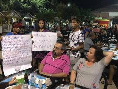 Vídeo: Weintraub discute com indígenas e moradores de Santarém (PA) durante as férias