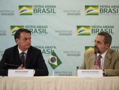 """""""Impressiona o desprezo de Jair Bolsonaro pela educação"""", diz deputado sobre desmonte no setor"""