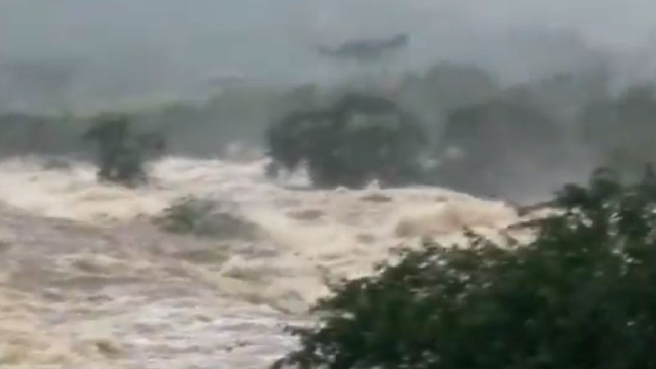 Resultado de imagem para barragem bahia