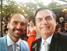 """Nepotismo: """"Se eu puder dar o filé mignon para o meu filho, eu dou"""", diz Bolsonaro sobre embaixada"""