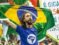 """Em carta a UNE, Lula destaca papel da juventude na luta """"contra o atraso e a opressão"""""""