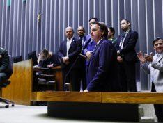 Para Bolsonaro, críticas indicam que o filho é o nome adequado para embaixada
