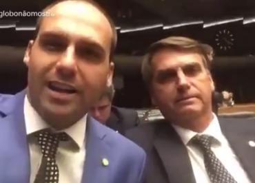 """Estadão diz que Bolsonaro abriu mão do pudor para defender ideia """"estapafúrdia"""" de indicar filho como embaixador"""