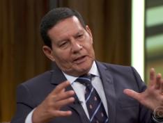 """Em entrevista, Mourão afirma que """"sempre houve homossexualidade no Exército"""" e defende ditadura militar"""