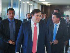 Rodrigo Maia diz que não indicaria filho para ser embaixador