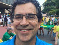 """Porta-voz do clã Bolsonaro, blogueiro """"corrige"""" Xico Graziano: Não é agrotóxico, é """"defensivo agrícola"""""""