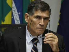 General Santos Cruz é mais um oficial do Exército a ameaçar STF com povo