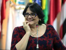 """Damares se junta a cúpula anti-ONU em defesa de """"valores tradicionais"""", na Hungria"""