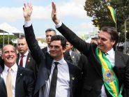 Moro volta a atacar imprensa para defender família Bolsonaro