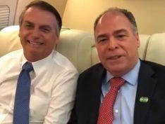 Alvo da PF, líder de Bolsonaro no Senado diz que deixa seu cargo à disposição do presidente