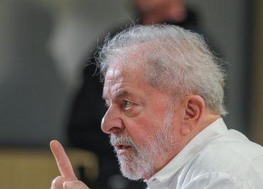 Entrevista Lula: O Bolsonaro tem que saber o seguinte, o tempo da bobagem e da molecagem acabou…