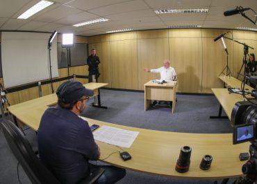 """Entrevista exclusiva: """"Tem coisa muito mais importante que Lula Livre neste país"""", diz Lula"""