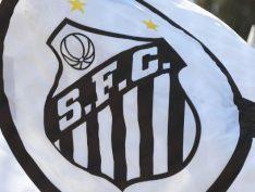 Santistas fazem campanha para Bolsonaro não comparecer à Vila Belmiro