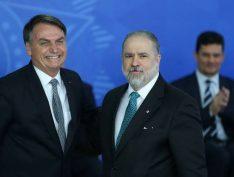 Procuradores veem indícios de crime de Bolsonaro, mas buscam detalhar objetivo da interferência na PF