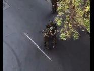 Vídeo: Policiais chilenos são suspeitos de cheirar cocaína antes de reprimir protestos