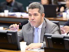 Ala bivarista do PSL prepara nova lista para que Waldir volte à liderança do partido na Câmara