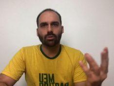"""Em vídeo, Eduardo Bolsonaro diz: """"Precisamos de assinatura para tirar o Delegado Waldir"""""""