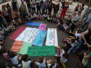 Crianças fecham ruas do Centro e vão à prefeitura de SP em protesto contra venda de escolas