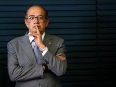 "Bolsonaro se reúne com Gilmar Mendes no Palácio do Planalto, em ""visita de cortesia"""