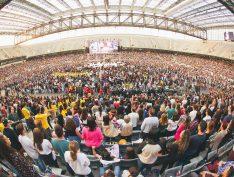 Crivella autoriza funcionamento de igrejas em meio à pandemia no Rio