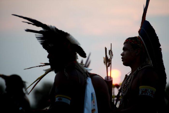 Resultado de imagem para lideranças indigenas assassinadas