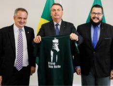 """Olavo de Carvalho: """"Se eu fosse o guru do Bolsonaro, mereceria o Prêmio Imbecil Coletivo 2020"""""""