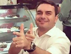 """Flávio Bolsonaro diz que polícia agiu em """"legítima defesa"""" contra Cid Gomes"""