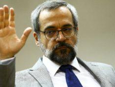 """Ministro da Educação Abraham Weintraub faz enquete onde chama Lula de """"Nove Dedos"""""""