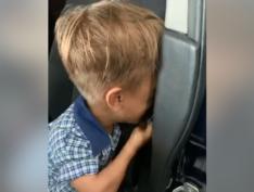 Menino australiano de 9 anos chora e pede corda para se matar após sofrer bullying