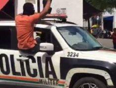 Bolsonaro atende governador e manda exército para o Ceará para deter motim policial