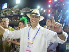 Deputada bolsonarista divulga vídeo de Witzel sendo vaiado na Sapucaí