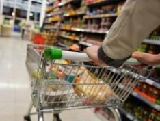 Alimentos sobem até 20% em inflação quase zero por preço de combustíveis e passagens aéreas