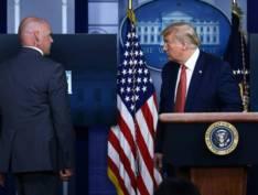 Trump abandona coletiva às pressas após tiroteio próximo a Casa Branca