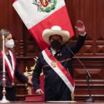 Pedro Castillo toma posse como presidente do Peru